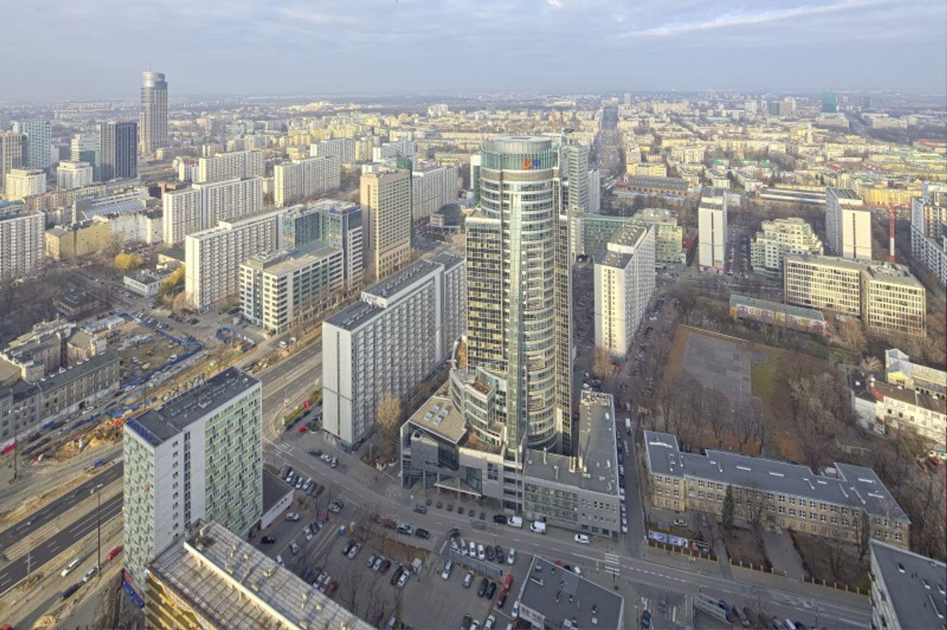 [Warszawa] BPT Optima sprzedaje stołeczny biurowiec Twarda Tower