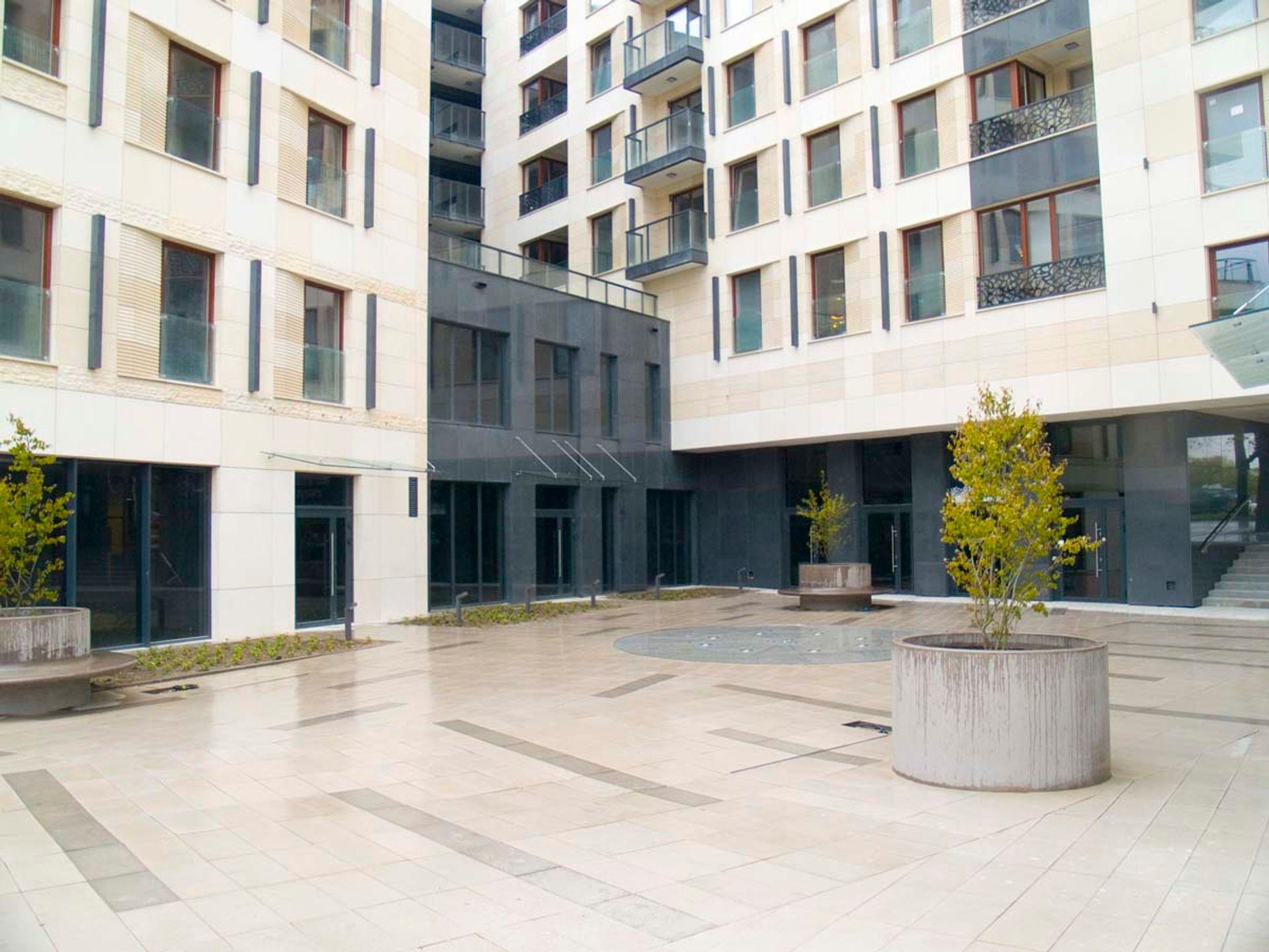 [Warszawa] Największy lokal handlowy Solca Residence sprzedany