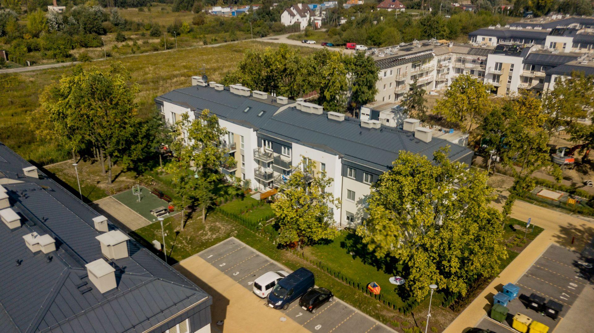 Wrocław: Na Ustroniu coraz bliżej ukończenia. Zieleń, spokój i duże ogrody