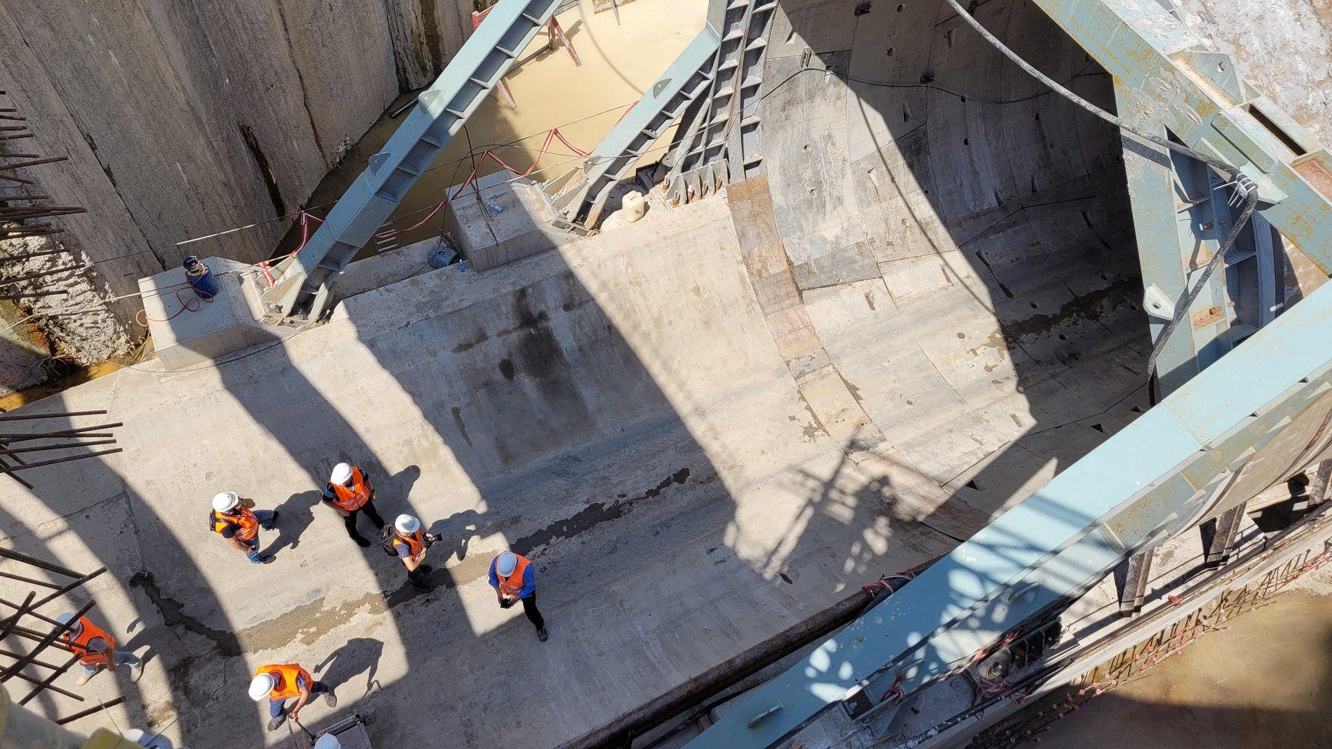 Trwa budowa podziemnego tunelu kolejowego w Łodzi