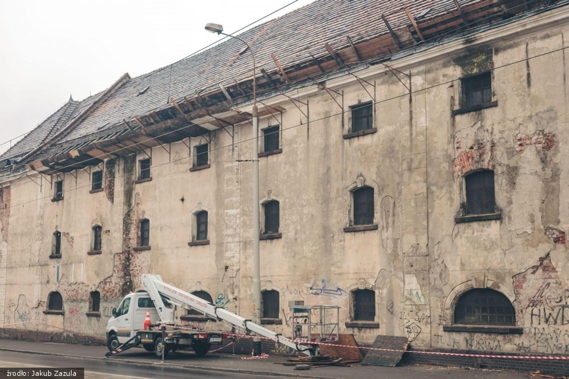 Miasto nie odkupi zabytkowego spichlerza od i2 Development