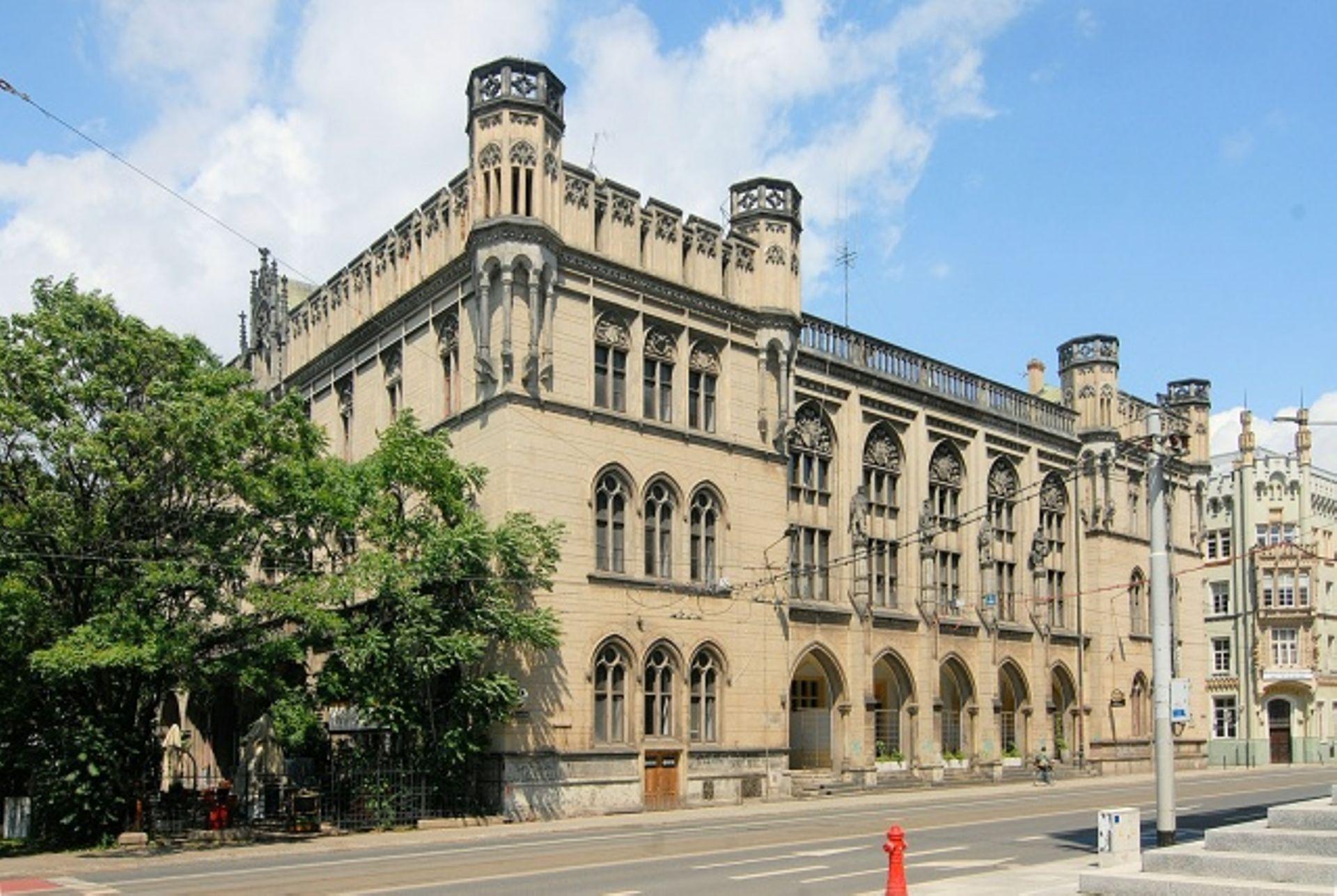 Zabytkowy budynek dawnej Nowej Giełdy we Wrocławiu wystawiony na sprzedaż za miliony