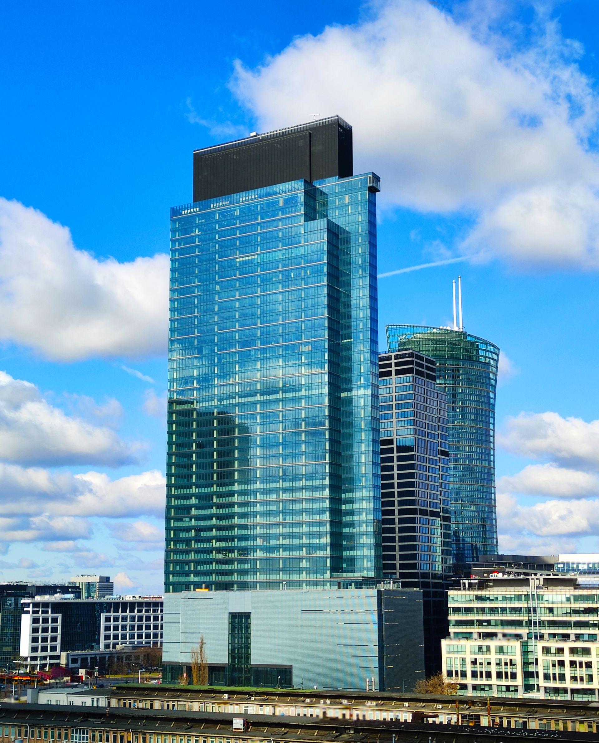 Warszawa: Przy Rondzie Daszyńskiego powstaje 202-metrowy wieżowiec Warsaw Unit