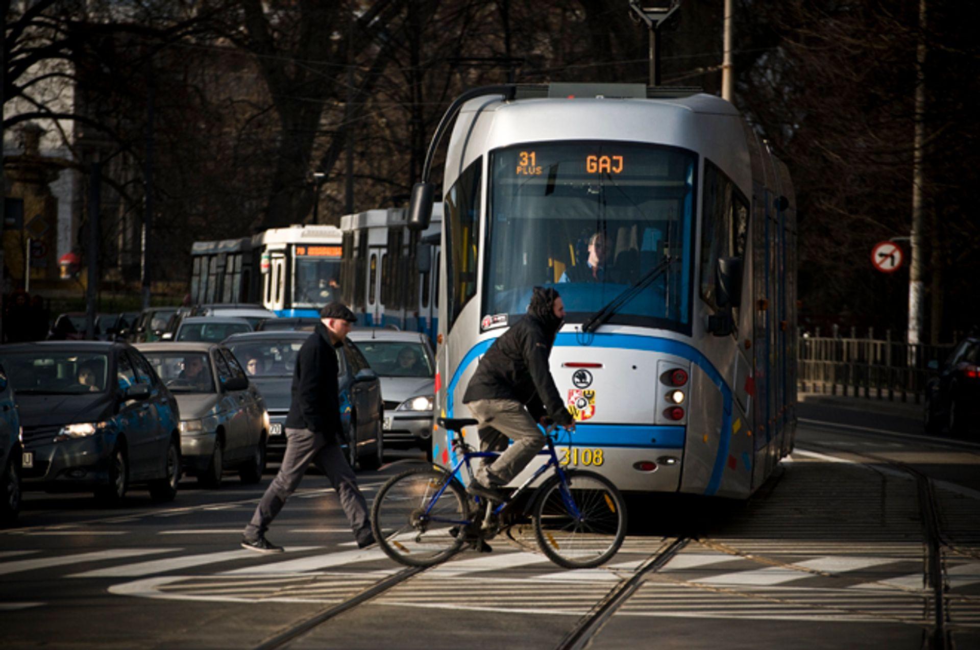 [Wrocław] Na Sienkiewicza wydzielają torowisko dla tramwajów