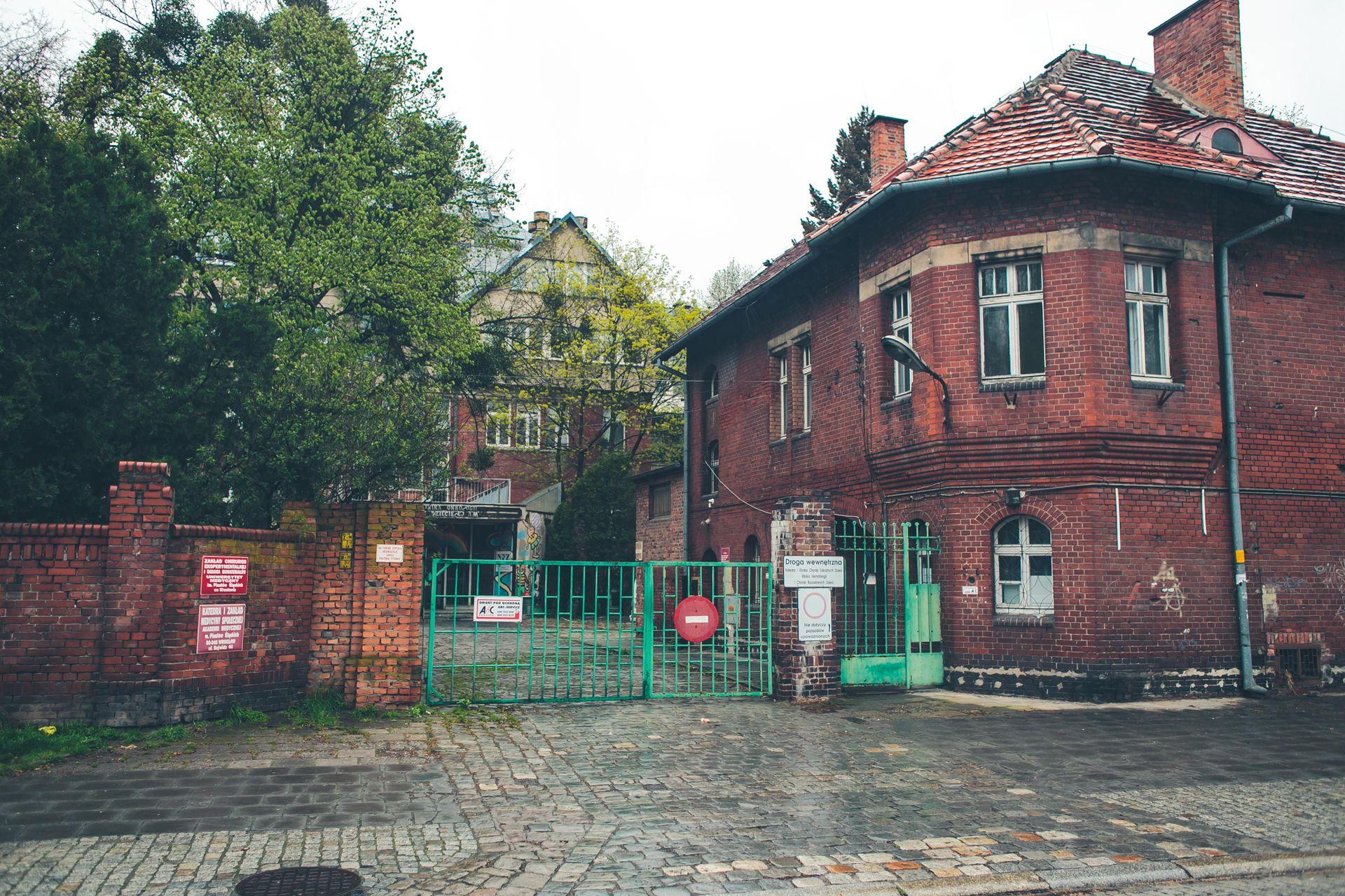 [Wrocław] Poszpitalne budynki przy Bujwida pójdą do rozbiórki?